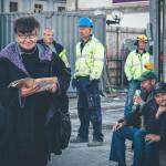 3. Från vänster fd stadsantikvarie Marianne Råberg, arkeologerna Michel Carlsson och John Hedlund, byggledare Fredrik Lövstrand, vännerna Matte och Pekka. Foto Lina Steén