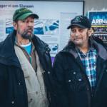 6. Från vänster vännerna Matte och Pekka övervakar vad som händer på Slussen. Foto Johan Palmgren