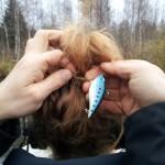 Fiskedrag lossas från Åsa Blancks huvud