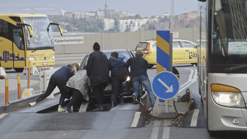 Stillbild knuffar bil Spårviddshinder